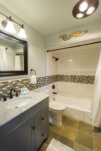 Creekside Town and Country Suite Photo 5