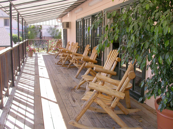 Rocking Chairs Porch Relax Hotels san Luis Obispo California * Peach Trees Porch Inn Amenities SLO Ca